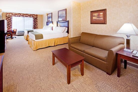 Holiday Inn Express Hotel & Suites Bethlehem Airport - Allentown Area: Two Queen Bed Junior Suite