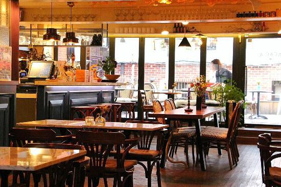 Acacia Cafe & Bistro