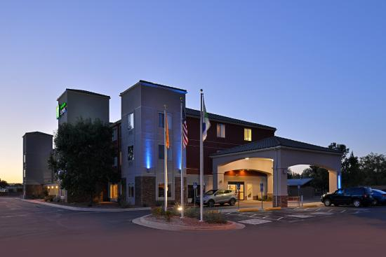 Photo of Holiday Inn Express Bernalillo
