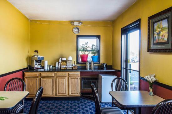 Lewisburg, PA: Breakfast Area