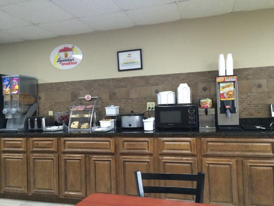 Photo of Super 8 Charleston MO