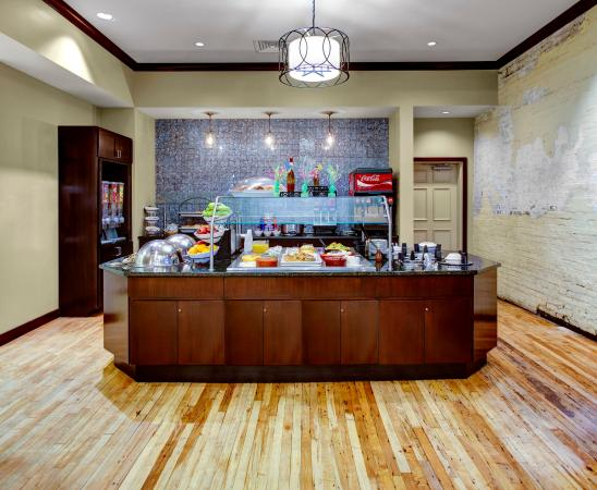 staybridge suites savannah historic district 145. Black Bedroom Furniture Sets. Home Design Ideas