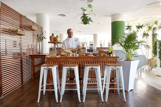 Bantry Bay, South Africa: Deli with Chef