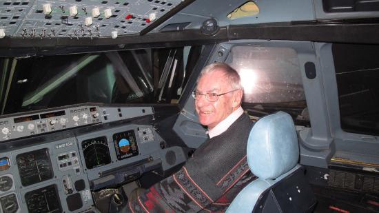 Κόβεντρυ, UK: At the controls of the A320