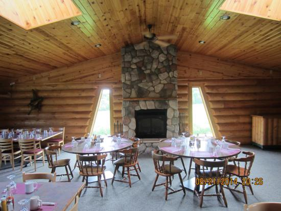 Squaw Lake, MN: Beautiful Large Dining Room