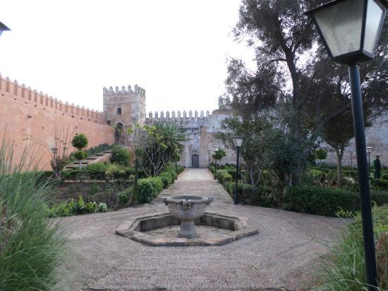 Murallas de la kahsba rodean el jardin andaluz picture for Jardin andaluz