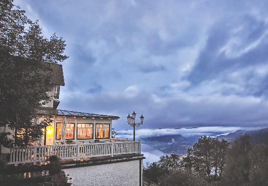 Gasthof Kohlern: Terrasse - Terrazza - Terrasse