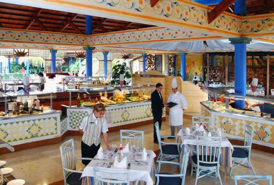 Paradisus Rio de Oro Resort & Spa: Buffet Restaurant