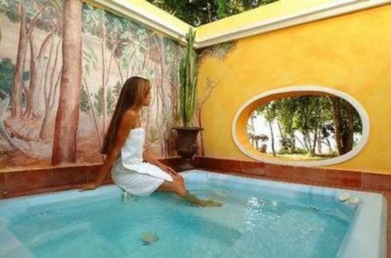 Paradisus Rio de Oro Resort & Spa: Jacuzzi
