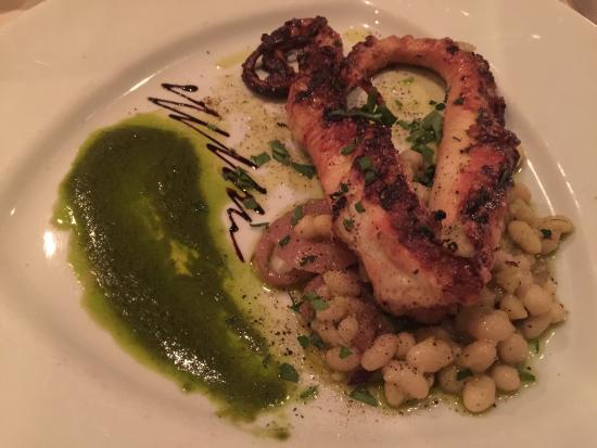 Bronxville, Нью-Йорк: Grilled Octopus appetiser