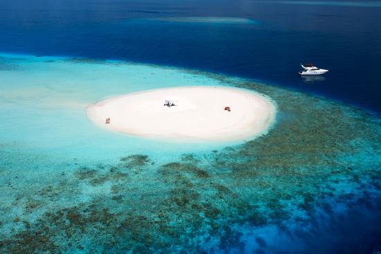 Baros Maldives: Sandbank Aerial
