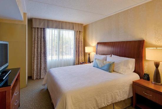Hilton Garden Inn Lakewood: King Evolution Room