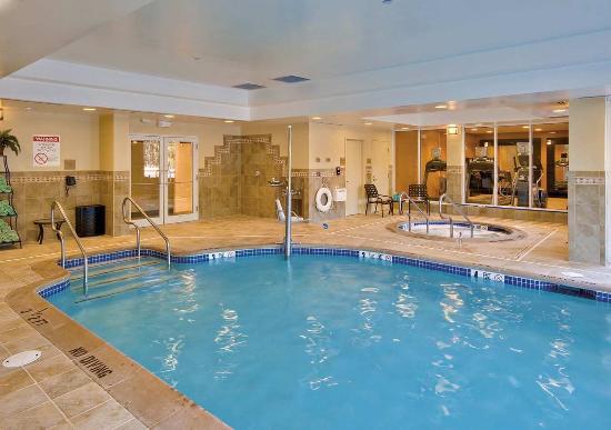 Hilton Garden Inn Lakewood: Indoor Pool & Whirlpool