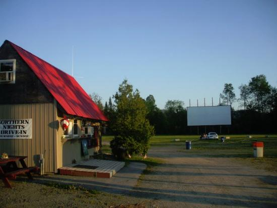 Lancaster, NH: Cute little Drive-In