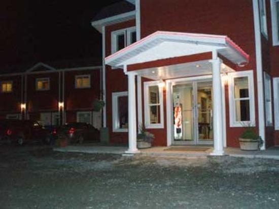 Arnica Inn: Exterior View