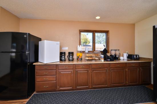 Americas Best Value Inn - Guymon: Breakfast Area