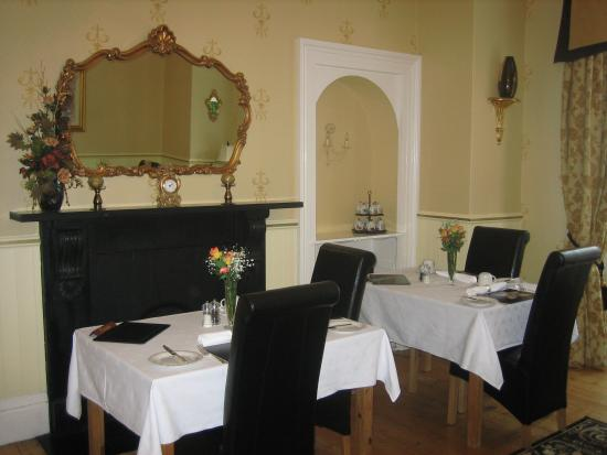 Arden House: diningroom