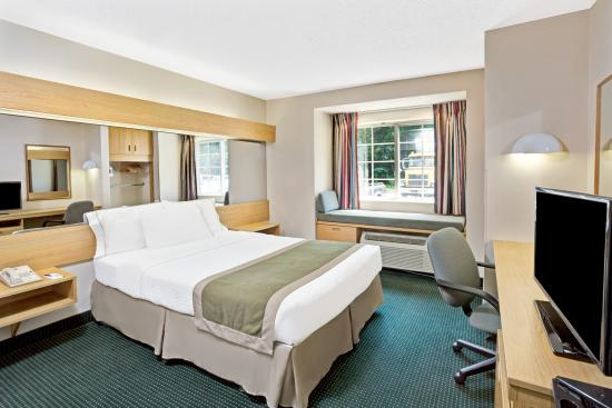 Microtel Inn & Suites by Wyndham Raleigh Durham Airport: Single handicap non smoking room