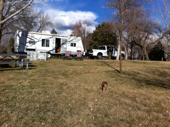 Glenns Ferry, ID: spacious site w/firepit & benches, nice level RV pad with water & electric
