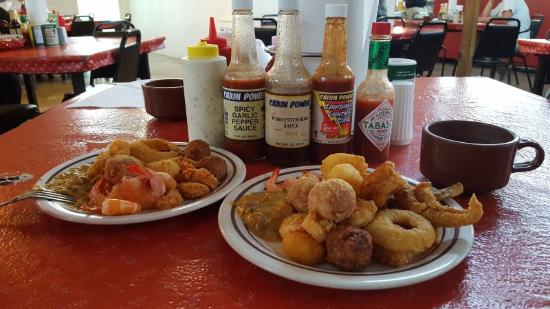Abbeville, LA: Richard's buffet