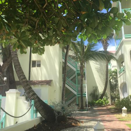 Worthing, Barbados: This is the hotel view from the beach.