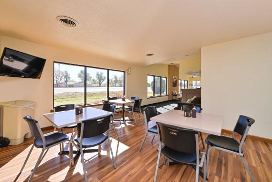 Budget Inn & Suites Guymon: Breakfast Area