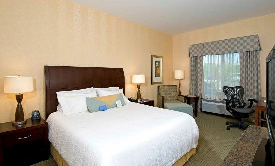 Westampton, NJ: 1 King Bed Evolution Room