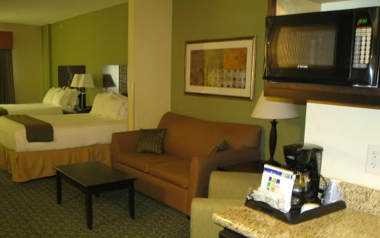 Covington, TN: Suite