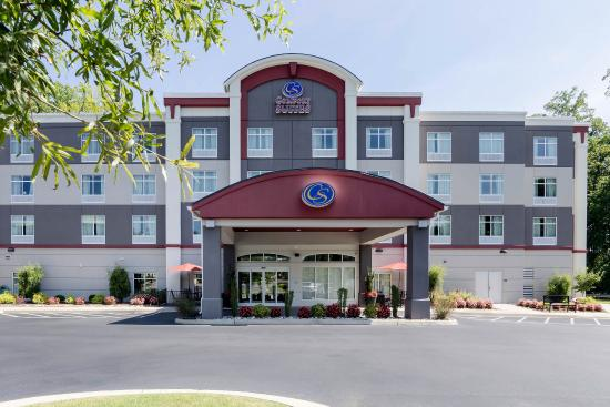 Photo of Comfort Suites Bypass Williamsburg