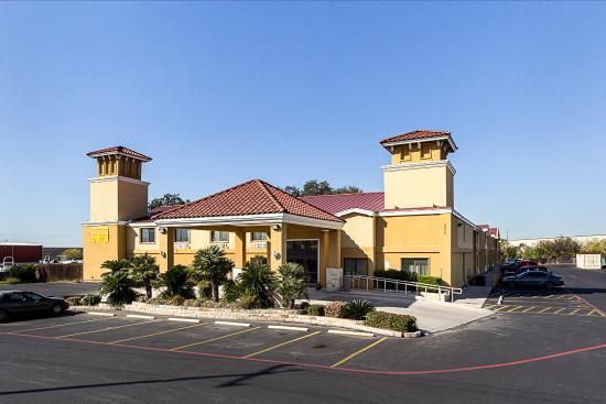 Econo Lodge San Antonio: Exterior