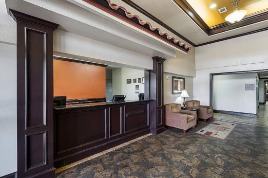 Econo Lodge San Antonio: Lobby