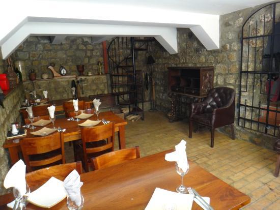 Rendezvous Restaurant : WINE CELLAR - CAVA