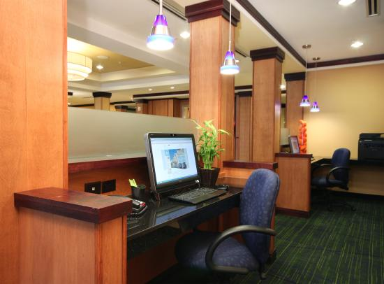 Fairfield Inn & Suites Mahwah: Business Center