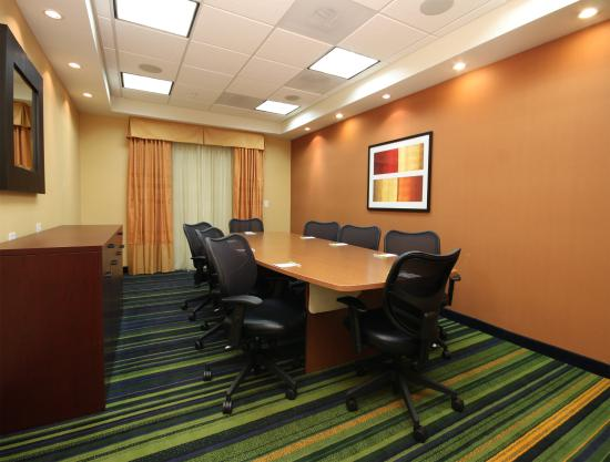 Fairfield Inn & Suites Mahwah: Boardroom