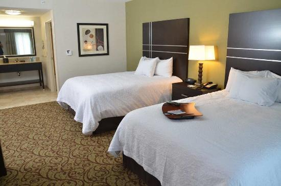 West Middlesex, PA: Double Queen Suite facing bedding