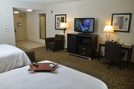 West Middlesex, PA: Double Queen ADA Room with Tub