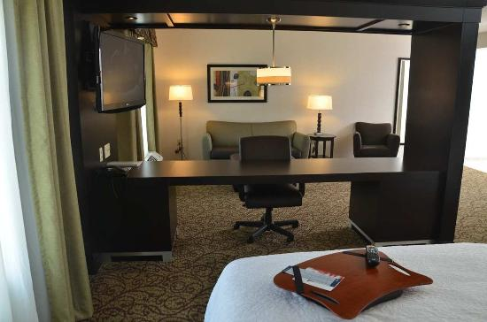 West Middlesex, PA: Double Queen Studio Suite seating area