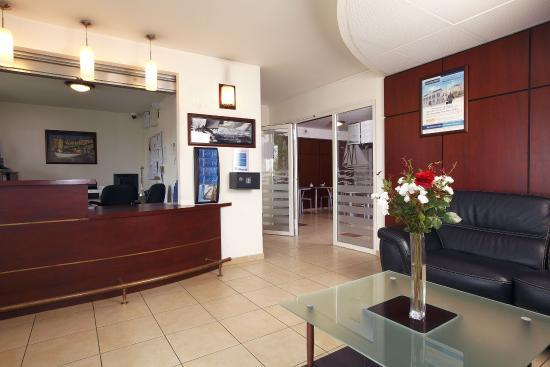 Appart'City Louveciennes : Interior Lobby