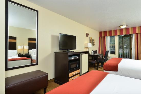Gladstone, OR: Guest Room