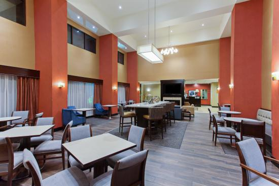 Hampton Inn and Suites Roseville: Hotel Dining Area