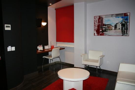 Exe Hotel El Magistral Photo