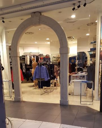 vista negozi interni - Foto di La Grande Mela Shoppingland, Lugagnano ...