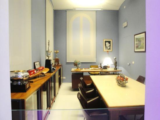 Ufficio Casa Modena : L ufficio dell ing enzo ferrari foto di museo casa enzo ferrari