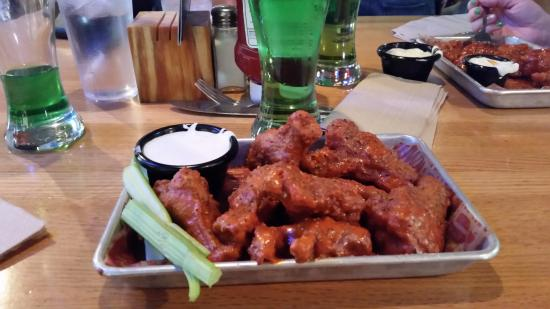 Applebee's: Very good wings.