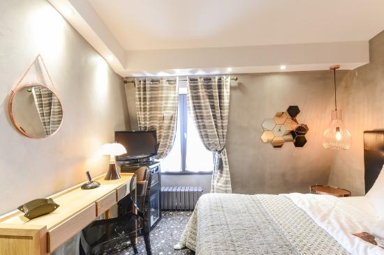 Hotel Tour d'Auvergne: club room