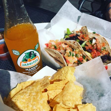 Sancho's Taqueria : Tacos