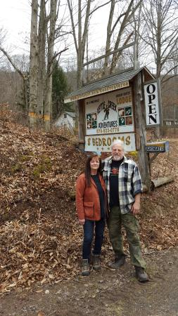 Kettle Creek Adventures Lodge and B&B: Our wonderful hosts!