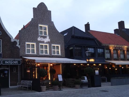 Exterieur picture of restaurant ecluse sluis tripadvisor for Restaurant exterieur