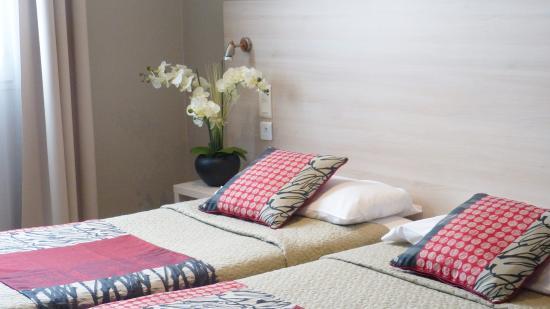 Chambre twin bild von hotel helvetique nizza tripadvisor for Chambre twin