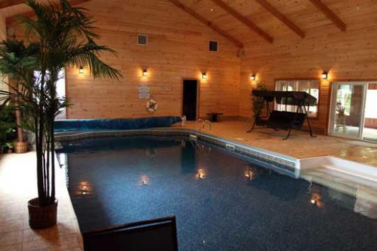 Pourvoirie Domaine Touristique de La Tuque: Une piscine intérieure à votre disposition